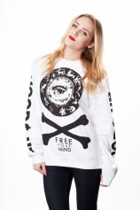 Crossbones - Crewneck - Womens